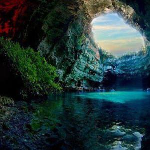 Inner Earth Water Light