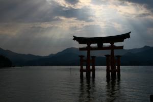 Itsukushima_Shinto_Shrine_2008[1]