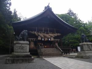 shinto-shrine-jinja-torii-001[1]