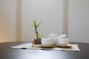 16-White-tea-set